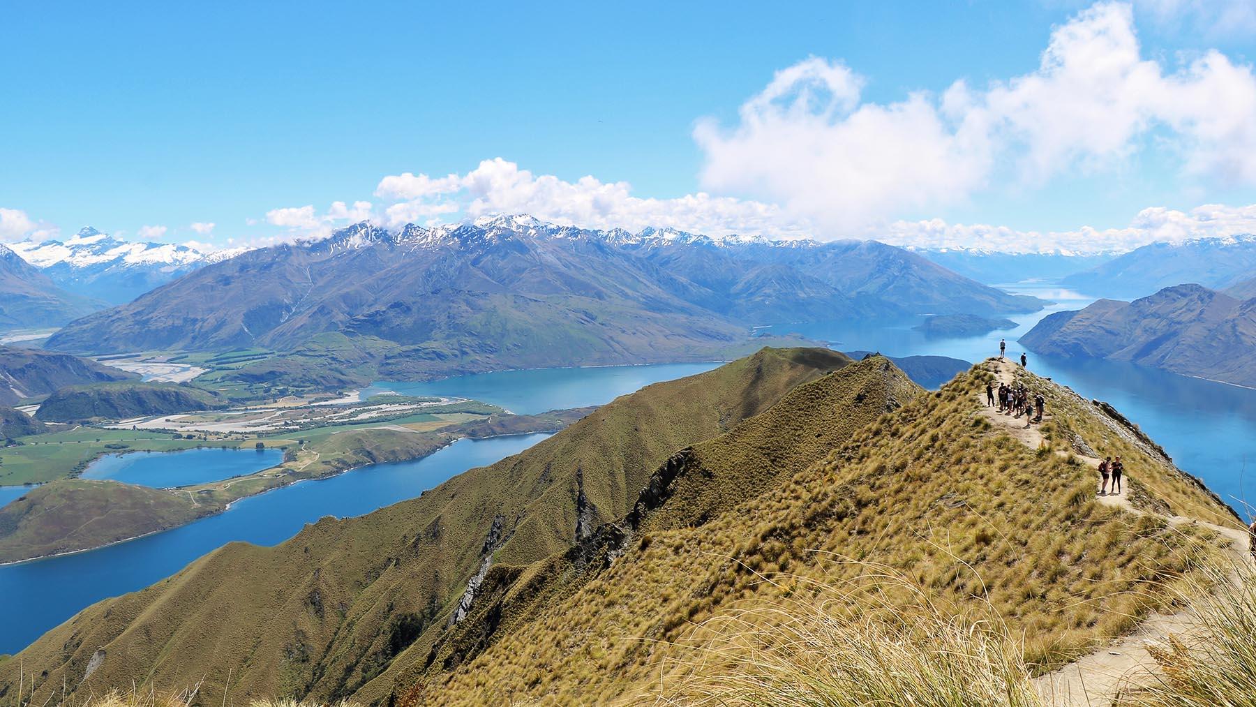 mountain-lake-banner